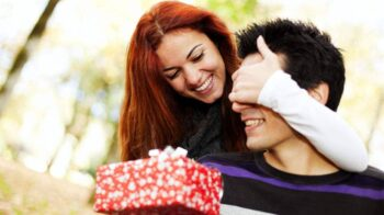 How to Choose a Perfect Gift for Him